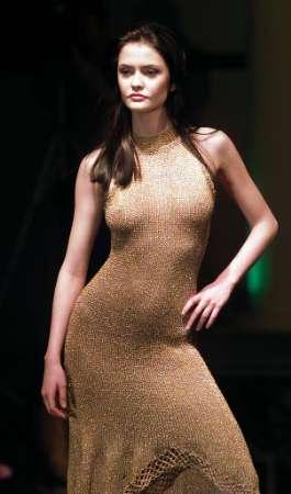 bg_fashion_27march2002.jpg